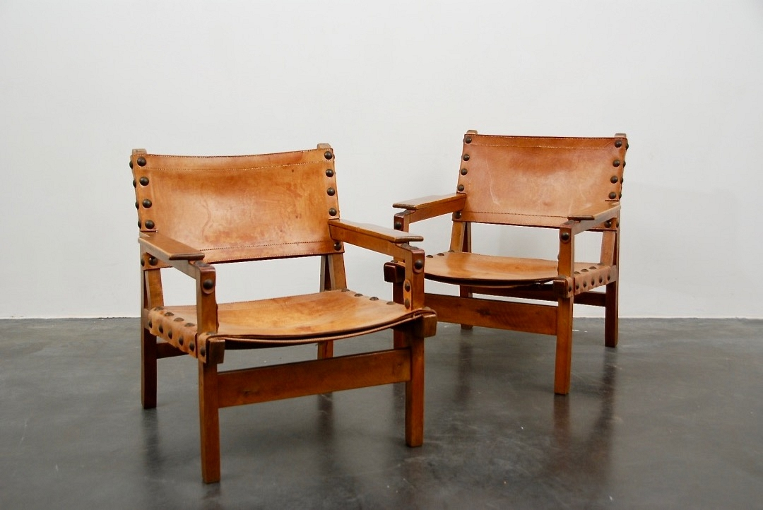 pair of Leather seats (2)