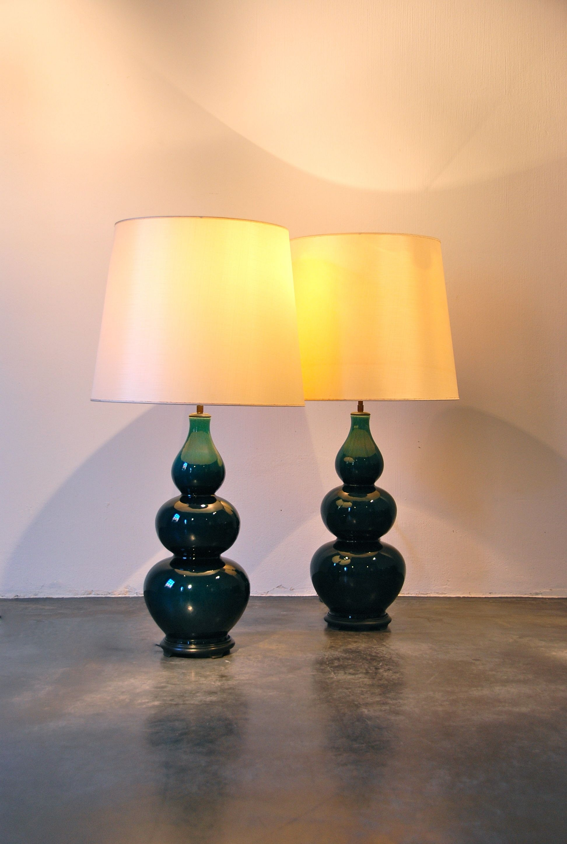 PAIR OF CERAMIC LAMP