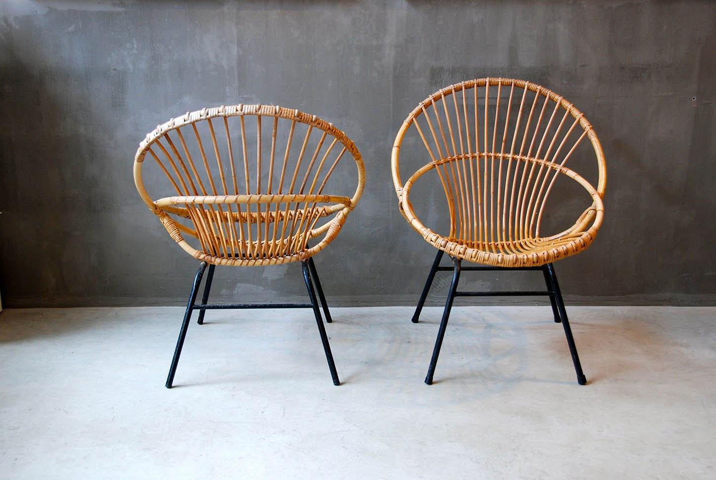 Pair of seats in whicker