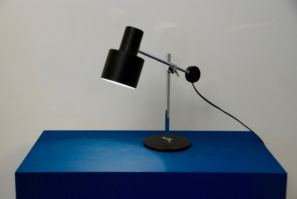 PAIR OF BLACK TABLE LAMP