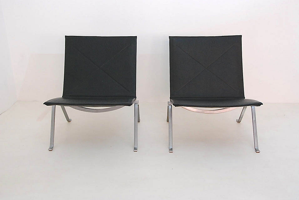 Poul Kjaerholm PK22 pair of lounge chairs